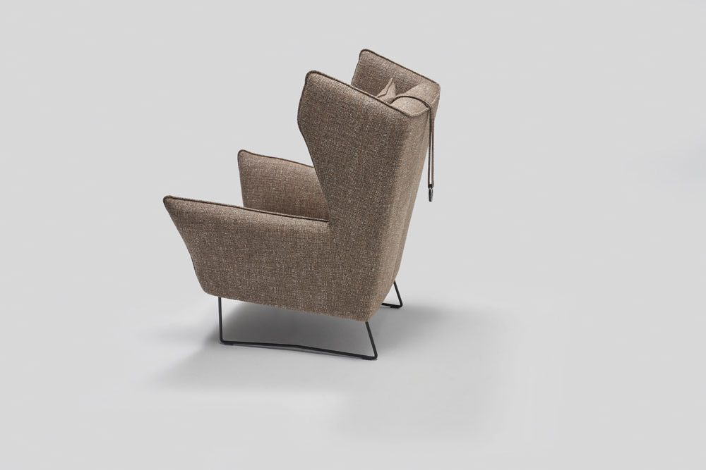 Wygodny Fotel tapicerowany Brooklyn - ruchome boczki i regulowany zagłówek oraz dodatkowy podnóżek