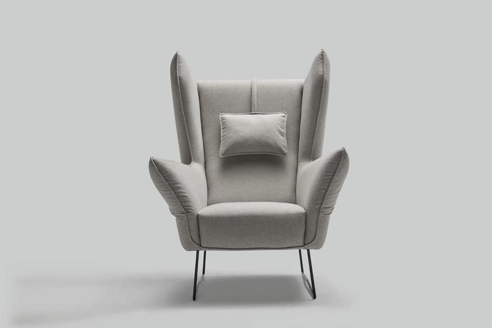 Fotel z regulowanymi boczkami Brooklyn - ruchome boczki i regulowany zagłówek oraz dodatkowy podnóżek