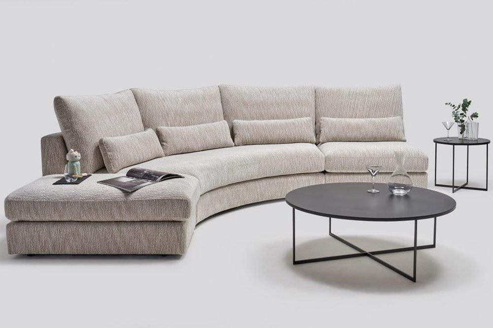 nowoczesne meble do salonu - kolekcja modułowych mebli tapicerowanych z ładowarką indukcyjną Columbus