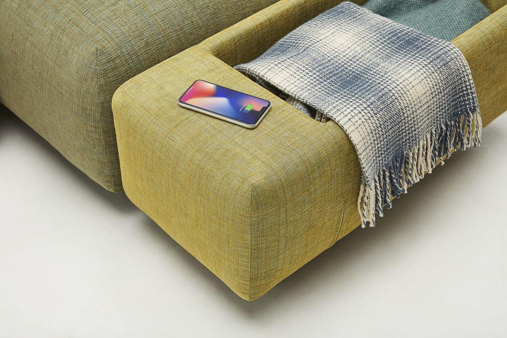 Mist - nowoczesne narożniki z ładowarką indukcyjną - kolekcja nowoczesnych tapicerowanych mebli modułowych z gazetownikiem i ładowarką indukcyjną